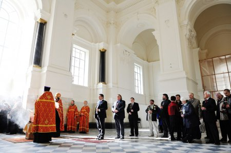 7 Мая Великий Князь Георгий Михайлович молился за литией по усопшим августейшим родственникам в Великокняжеской усыпальнице Петропавловского Собора
