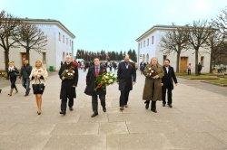 В День Победы Его Императорское Высочество, Великий Князь Георгий Михайлович посетил Пискаревское мемориальное кладбище и почтил память героических защитников и мирных жителей, погибших в Северной столице